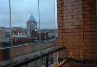 Беспрофильное остекление балкона системой «Книжка» в Москве