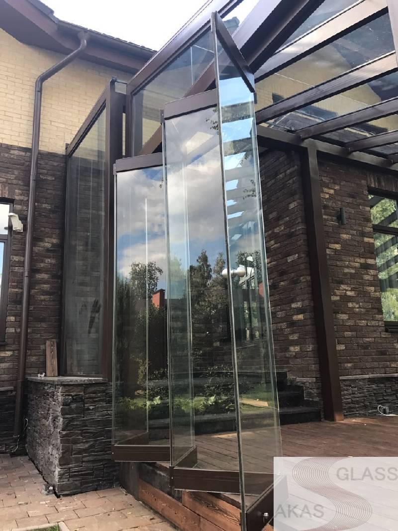 Стеклянная дверь на террасу «Гармошка»