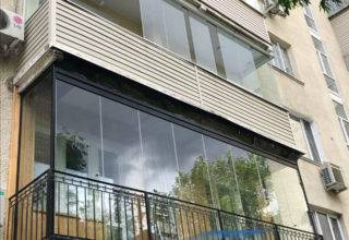 Безрамное остекление балкона от пола до потолка
