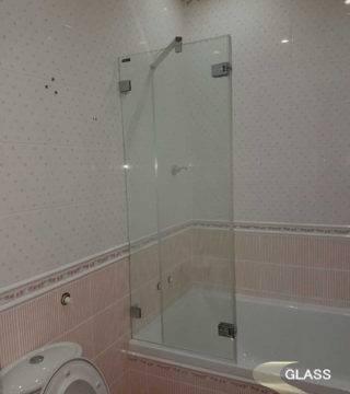 Стеклянная перегородка для ванны