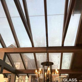 Изготовление и монтаж стеклянной крыши беседки по индивидуальному проекту