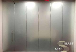 Офисные перегородки из матового стекла по типу «Парковка»