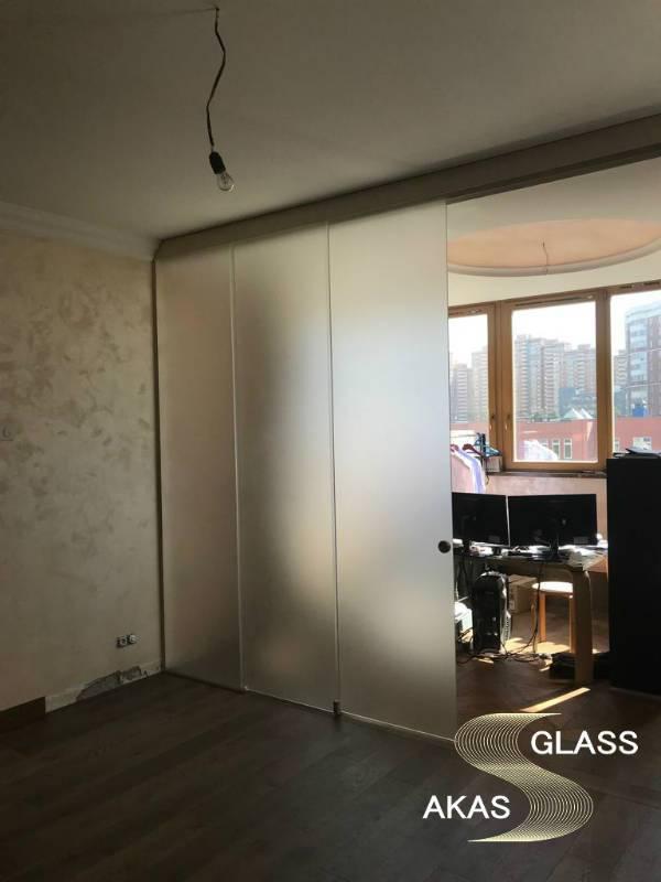 Стеклянная перегородка в квартире